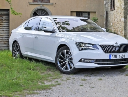 Skoda Superb 2015 high definition wallpapers