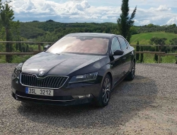 Skoda Superb 2015 hd pics