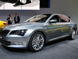 Skoda Superb 2015 hd photos