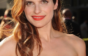 Lake Bell iphone Wallpapers