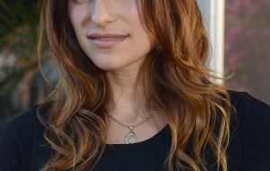 Lake Bell High Quality Wallpapers for iphone