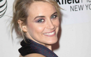 Taylor Schilling Background