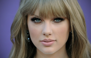 Taylor Swift Download for Desktop