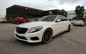 Mercedes-Benz S550e 2015 Wallpaper