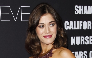 Lizzy Caplan High Quality Wallpapers