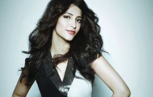 Shruti Hassan HD Desktop