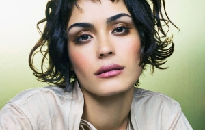 Shannyn Sossamon HD Background