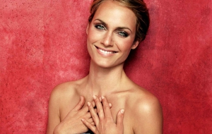 Amber Valletta High Quality Wallpapers