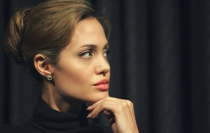 Angelina Jolie HD Background
