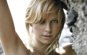 Charlize Theron High Definition
