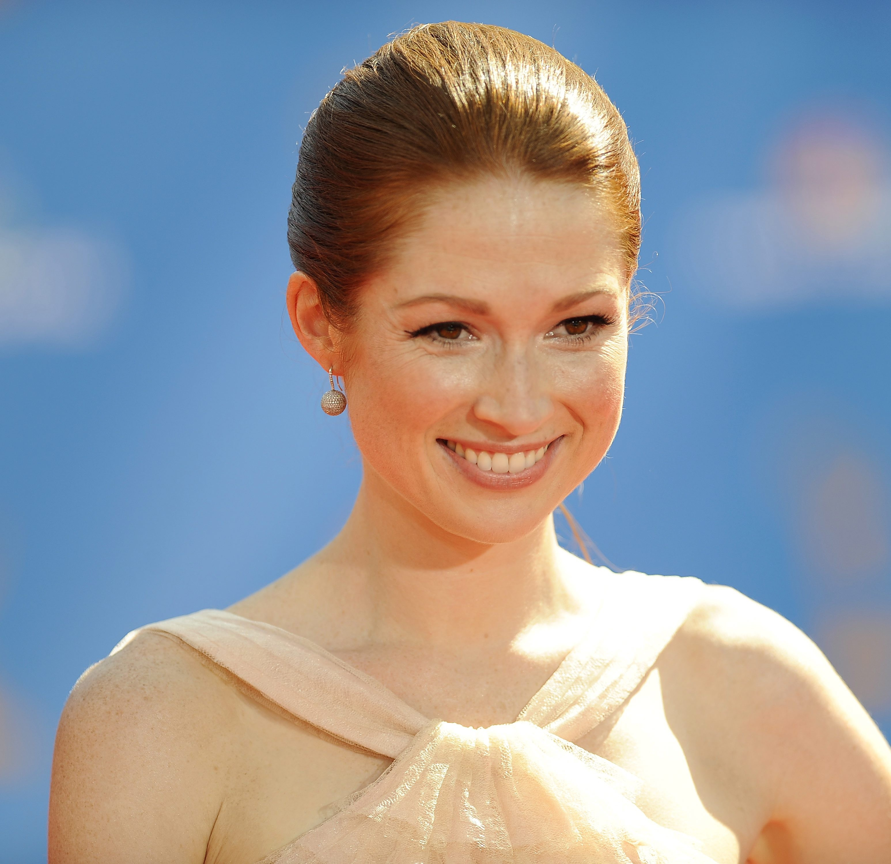 Ellie Kemper Wallpapers High Resolution And Quality Download