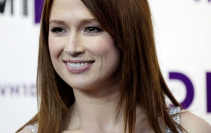 Ellie Kemper HD Wallpaper