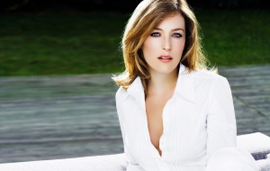 Gillian Anderson Images