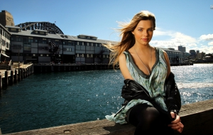 Indiana Evans Wallpapers