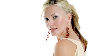 Natasha Henstridge HD Background