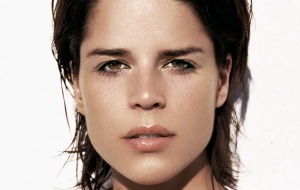 Neve Campbell HD Background