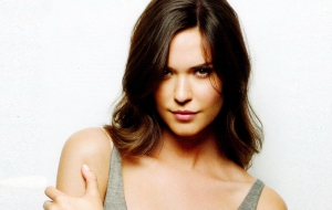 Odette Annable High Definition Wallpapers