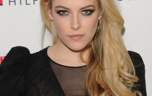 Riley Keough Images