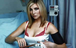 Sarah Chalke Pictures