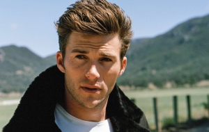 Scott Eastwood Photos