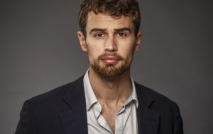 Theo James HD Wallpaper
