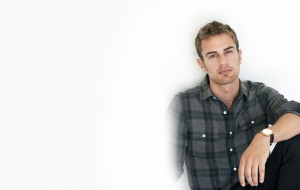 Theo James Wallpapers HD