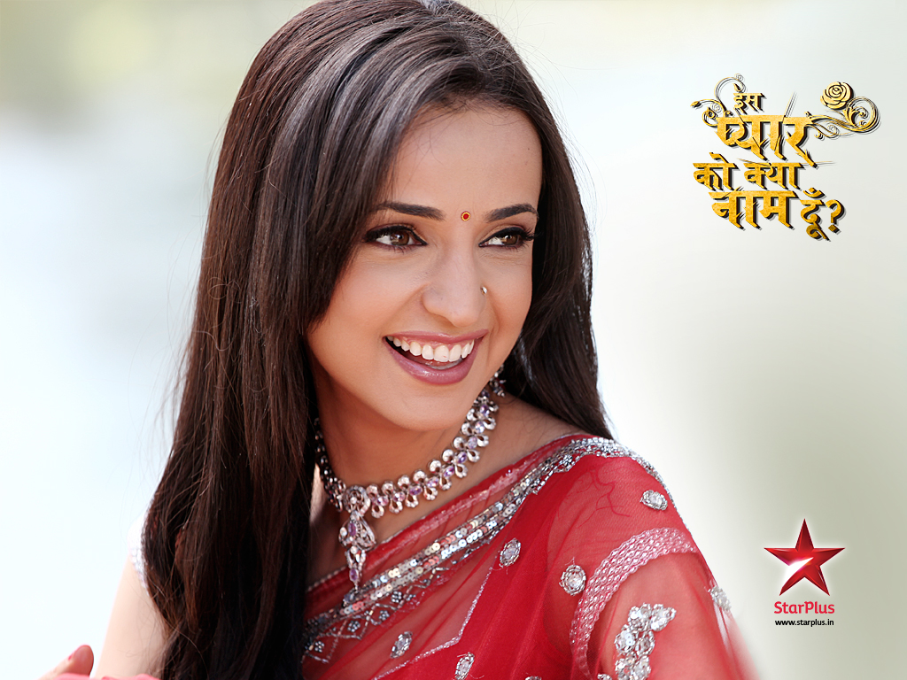 Sanaya Irani Wallpapers & Bio