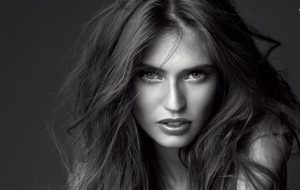 Bianca Balti Background