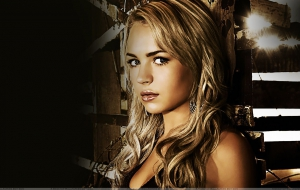 Brittany Robertson High Quality Wallpapers