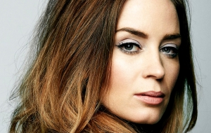 Emily Blunt HD Background