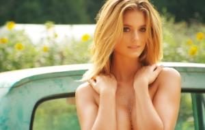 Kate Bock Wallpaper