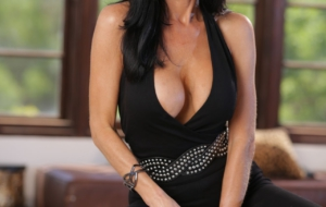 Veronica Avluv Wallpapers