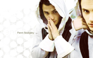 Penn Badgley Full HD