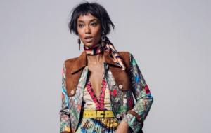 Anais Mali Background