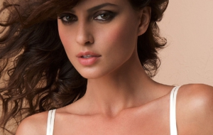 Catrinel Menghia Images