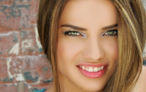 Adriana Caye High Definition Wallpapers