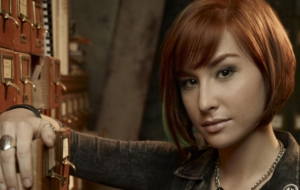 Allison Scagliotti Background