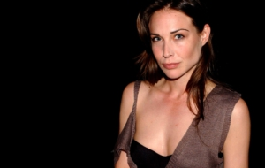 Claire Forlani Background