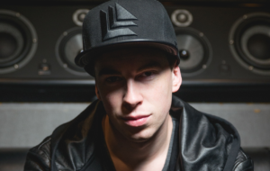 Hardwell Background