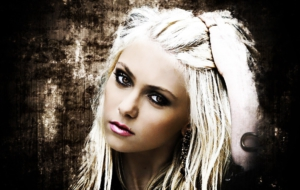 Pictures Of Taylor Momsen
