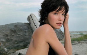 Pictures Of Ashley Scott