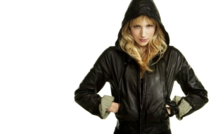 Pictures Of Beth Riesgraf
