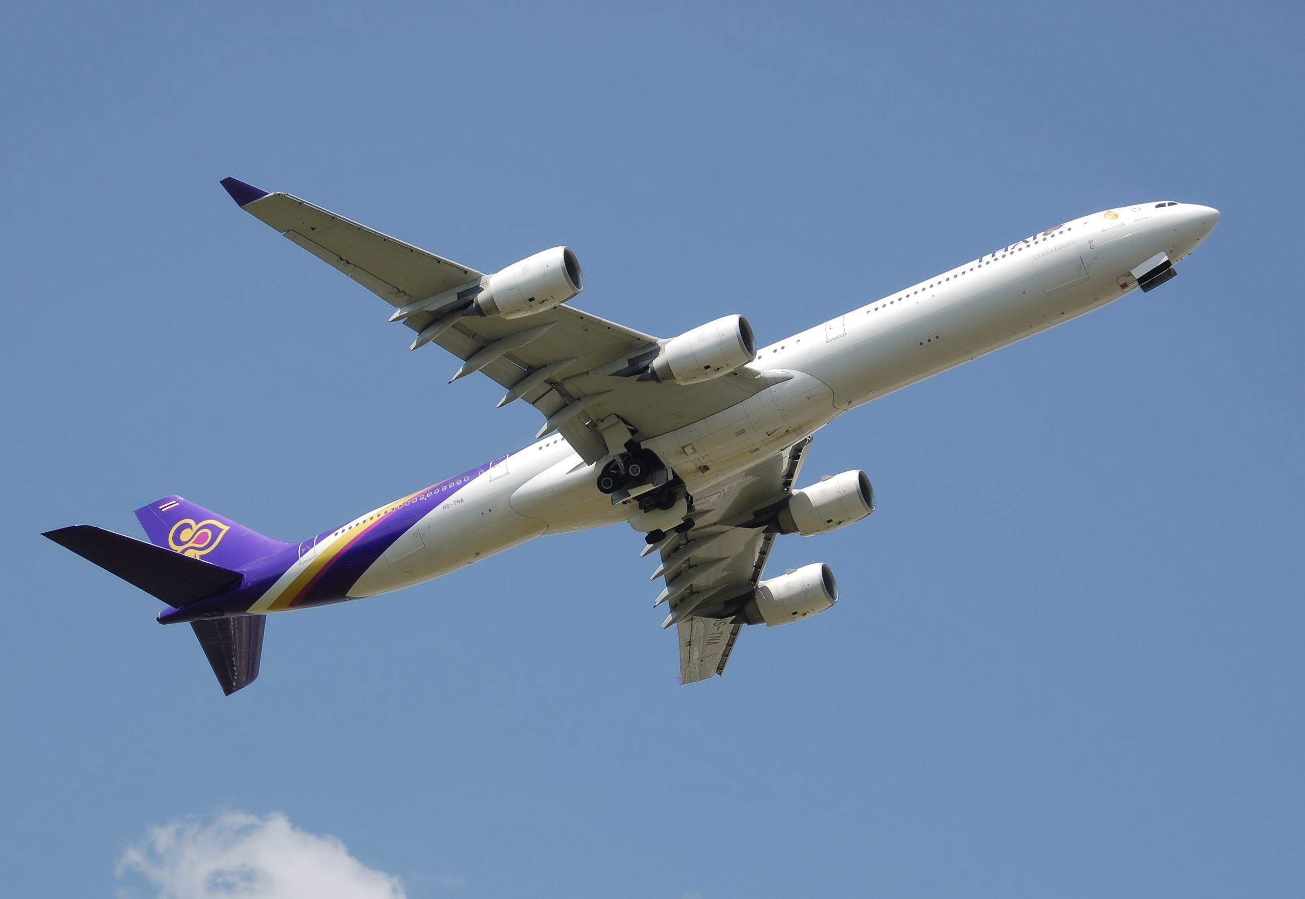 Airbus A340 Pictures