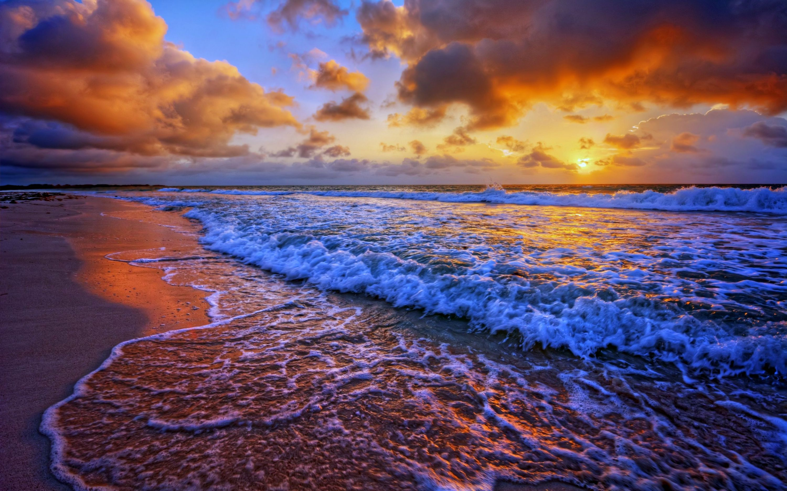 Beach Waves High Definition Wallpapers