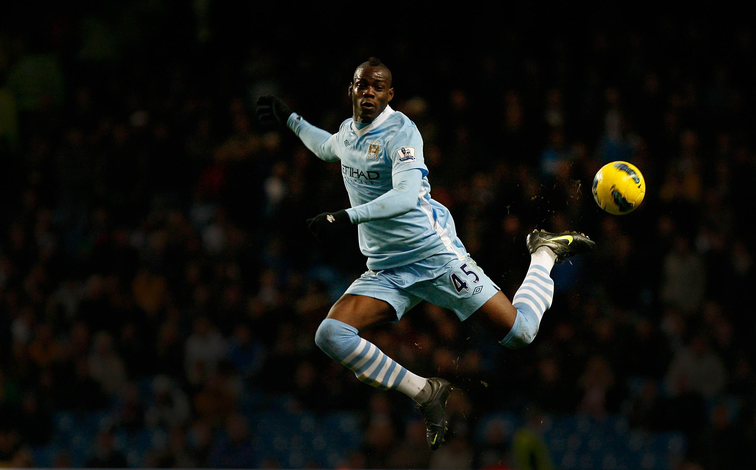 Mario Balotelli In Action For Manchester City Football: Premier