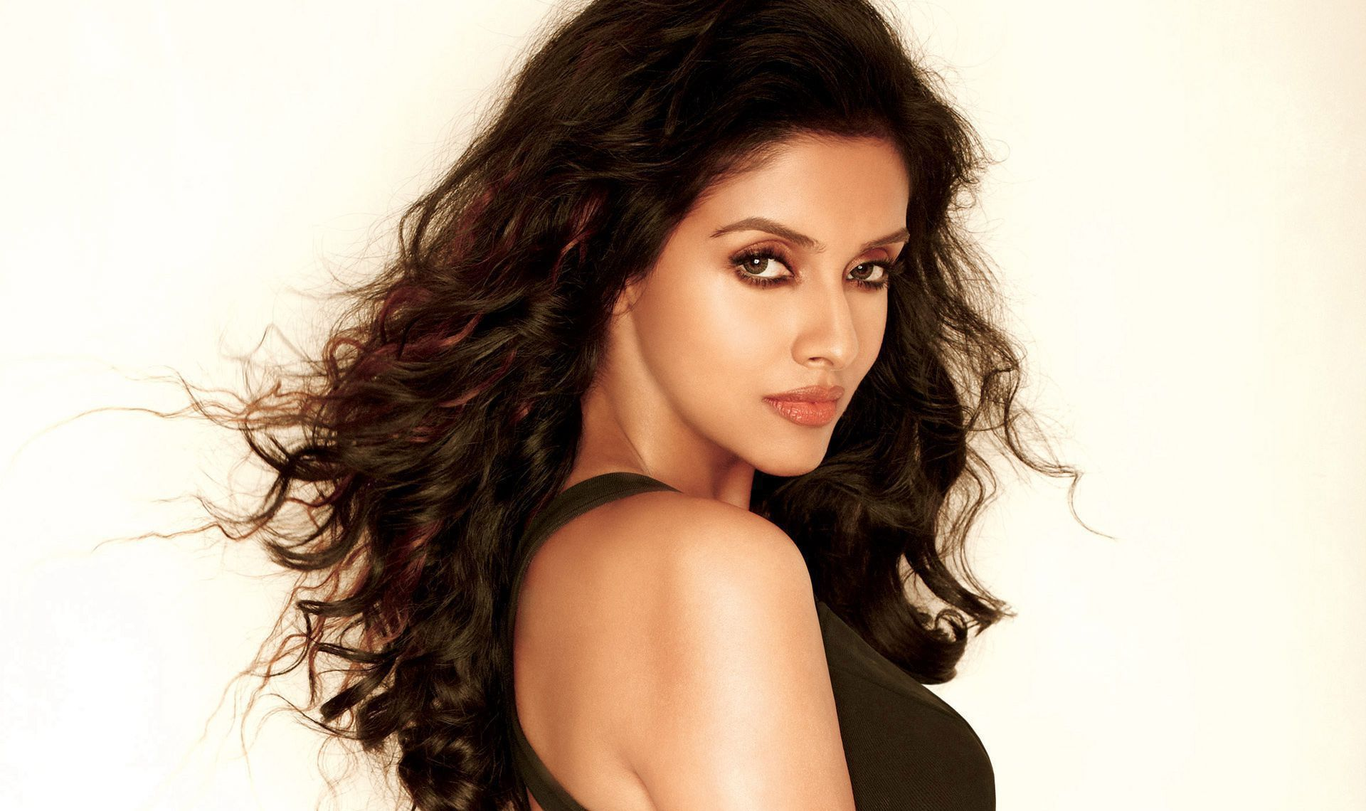 Asin Thottumkal High Definition Wallpapers