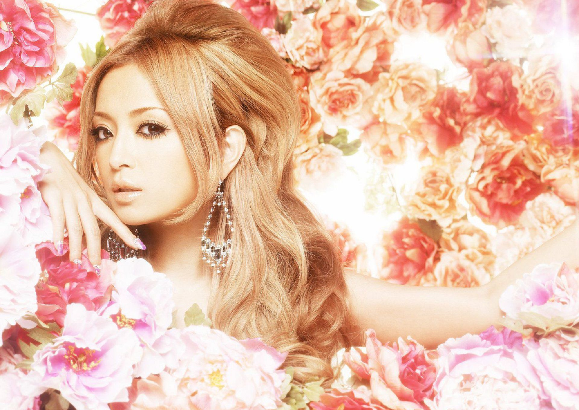 Ayumi Hamasaki In High Resolution