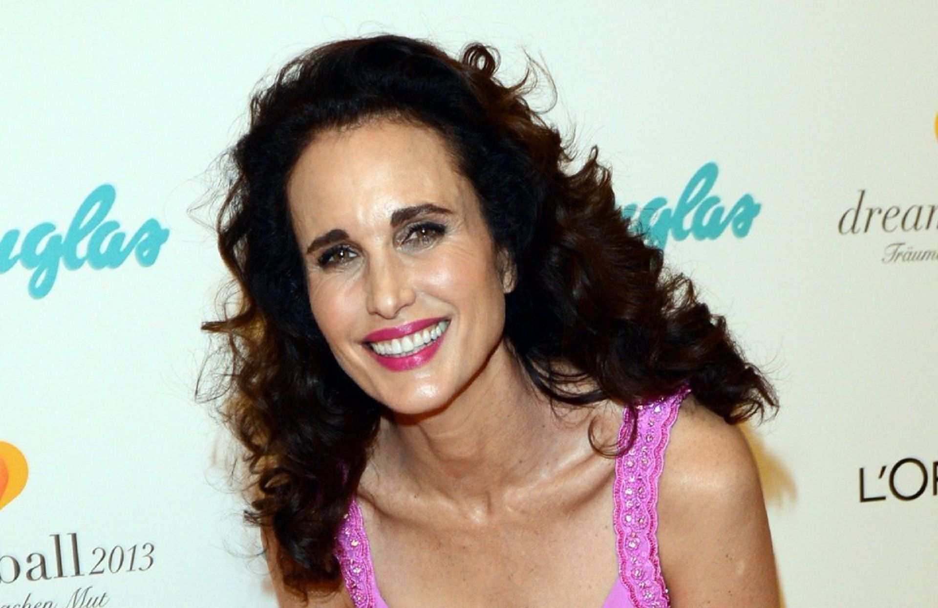 Andie Macdowell High Quality Wallpapers