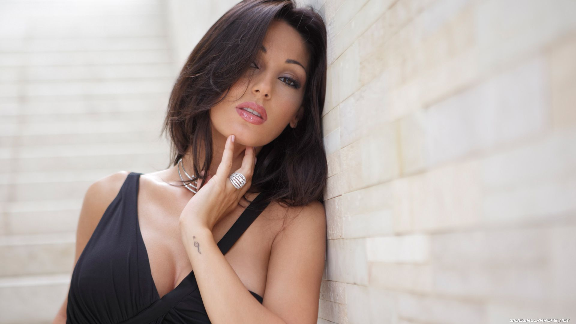Anna Tatangelo Beautiful