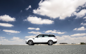 Land Rover Discovery 2020 White 4K Wallpapers